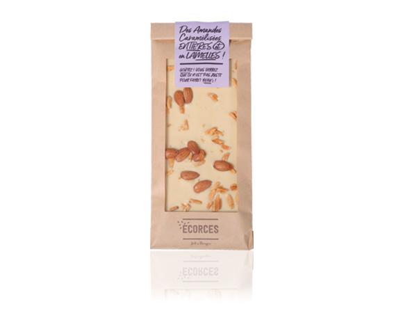Výborná bílá čokoláda a výborné mandle : dokonalé spojení chutí.