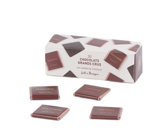 V malé krabičce se schovává 30 jednotlivě balených čokoládek . Hořká Sao Tomé 75%, hořká Pobřeží Slonoviny 72%... pro všechy amatéry hořké čokolády a kvalitního kakaa.