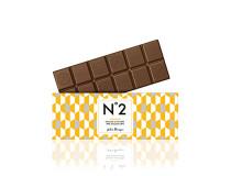 Kamerun nabízí výbornou mléčnou čokoládu s 38% obsahem kakaové sušiny, kakao z programu QQP . Silná a vyvážená chuť zůstávající dlouho na jazyku .