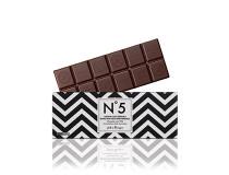 Ganážová náplň z kakaa z Venezuely v hořké čokoládě 70% kakaové sušiny .