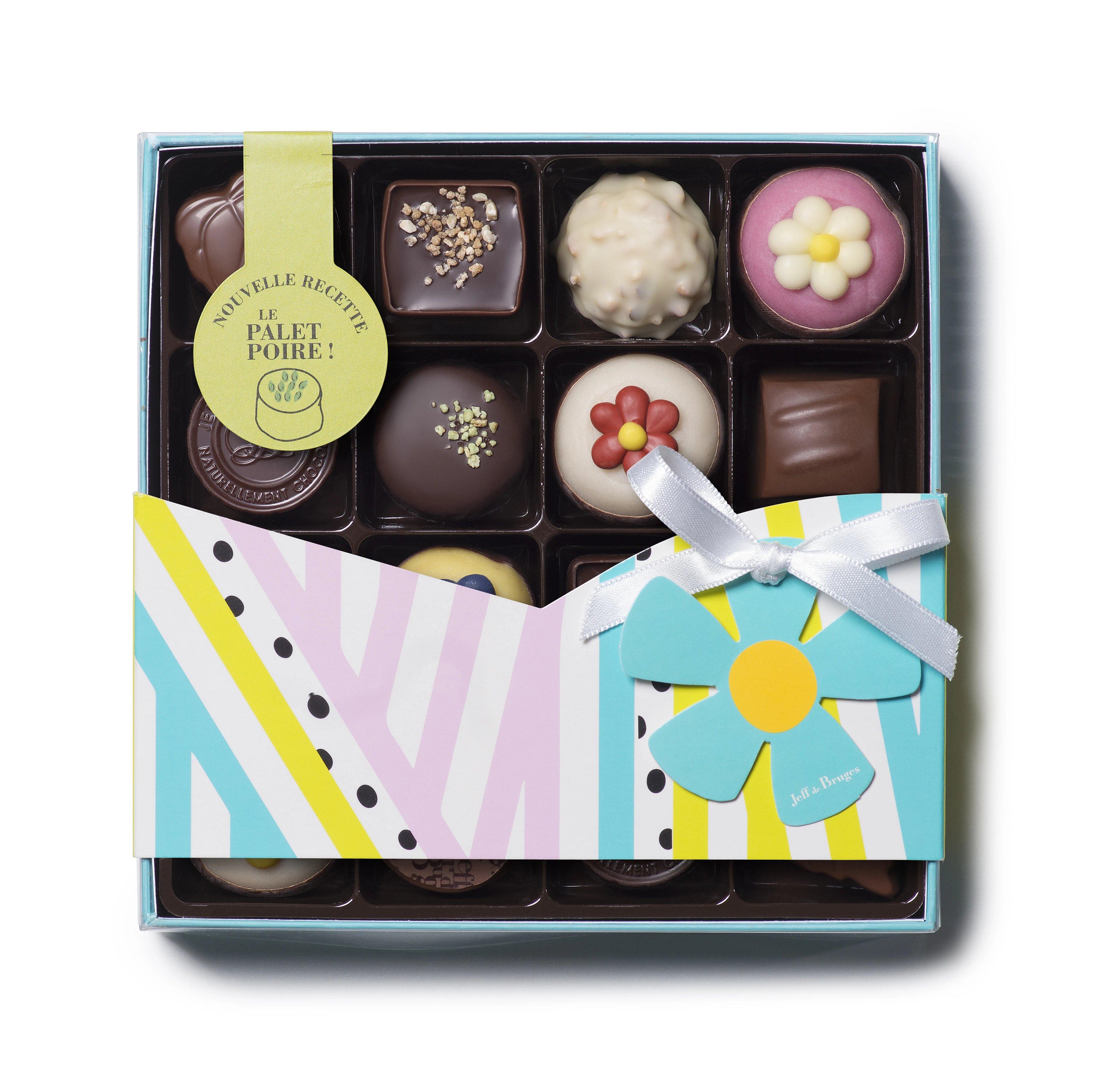 Krásný jarní dárek, průhledná krabička : obsahuje nejen klasické čokoládové bonbony, ale i marcipán s motivem kytičky