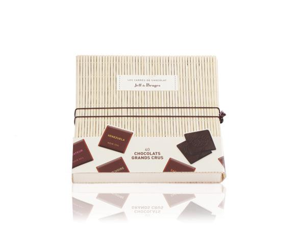Balení z přírodního bambusu obsahuje 40 ks čtverečků čokolády z kolekce grands crus. Tip na úchvatný dárek !